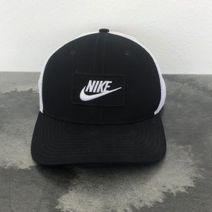 Nike Black And White Mesh Trucker Hat